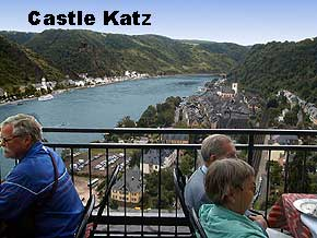 Terrace from Schlosshotel Rheinfels with view of the Rhine river, St. Goar, St. Goarshausen and Castle Katz, © 1999, WHO